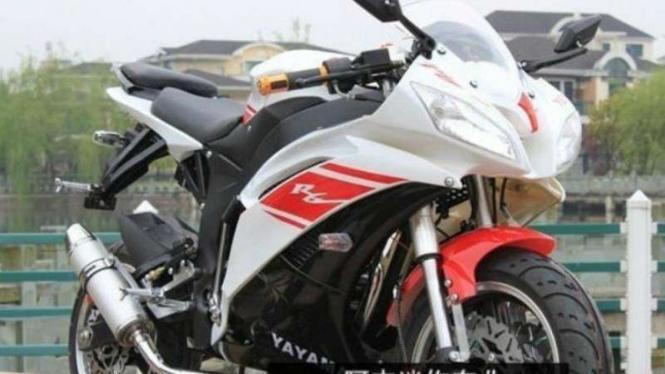 Yayama R6, motor tiruan Yamaha R6.