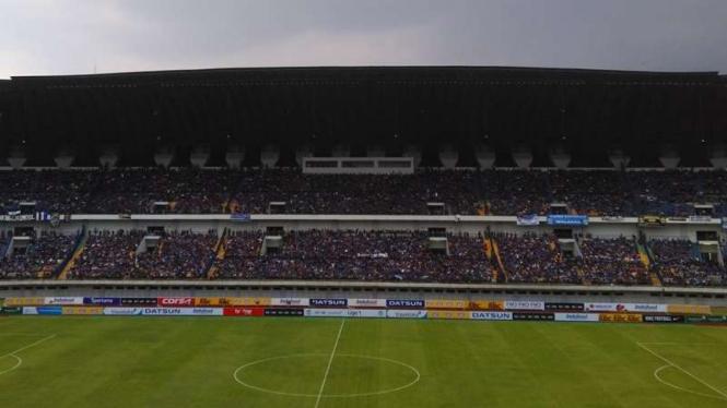 Suasana Stadion GBLA