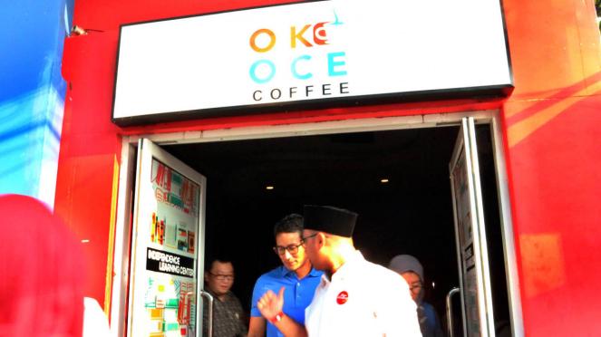 Sandiaga Uno saat meluncurkan Oke Oce Coffee