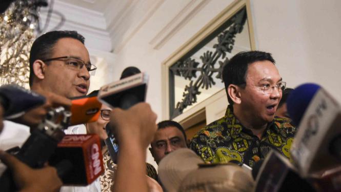 Pertemuan Anies dan Ahok di Balaikota Jakarta.