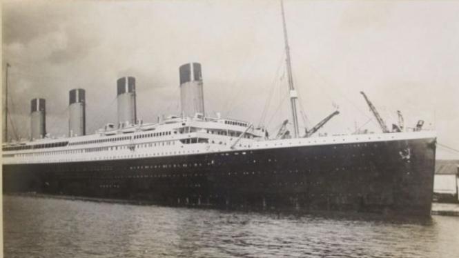 Kapal titanic.