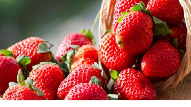 Buah Strawberry.