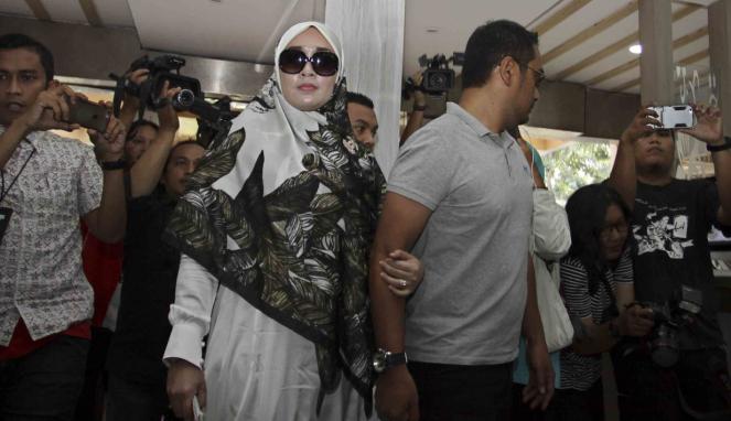 Setelah memeriksa tersangka Firza Husein, tim penyidik Polda Metro Jaya juga akan memeriksa Fatimah Husein Assegaf alias Kak Ema.