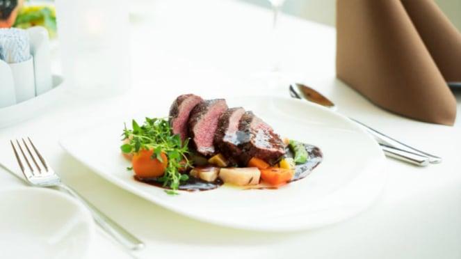 Ilustrasi fine dining/restoran.