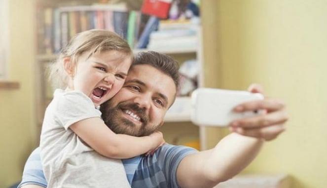 Anak perempuan dan ayah.