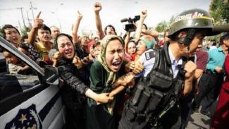 Ilustrasi aksi unjuk rasa Muslim Xinjiang, China.