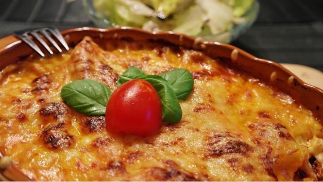 Ilustrasi memasak dengan keju.