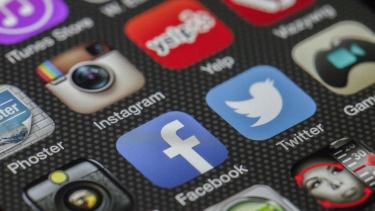 Beragam media sosial.