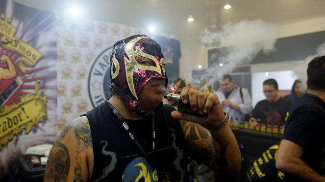 Kompetisi Asap Vape terpanjang di Meksiko