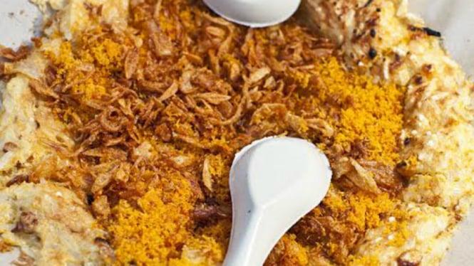Kerak telor, salah satu makanan khas Betawi