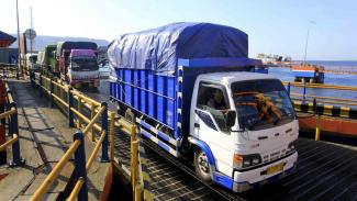 Ilustrasi truk pengangkut barang.