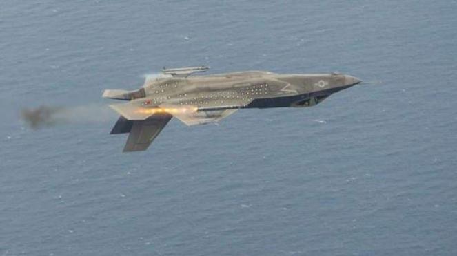 Jet tempur siluman F-35.