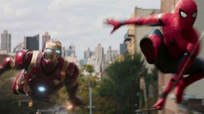 Spider-Man dan Iron Man di Spider-Man: Homecoming