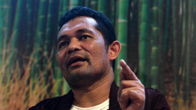 Pengamat politik Boni Hargens memberikan keterangan pers terkait tuduhan pemakaian narkoba di Jakarta, Rabu (12/7).