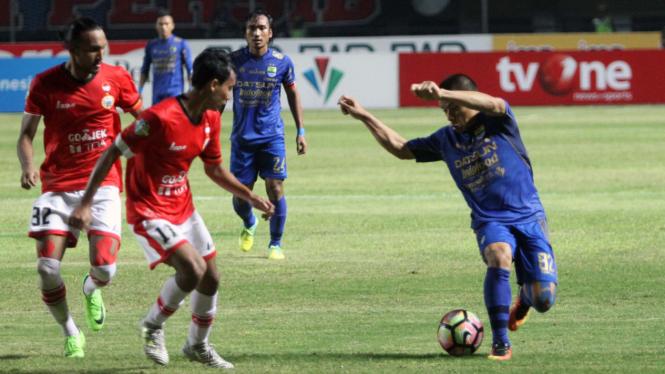 Duel Persib Bandung vs Persija Jakarta, 22 Juli 2017.