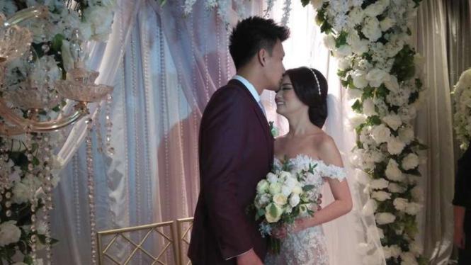 Fendy Chow dan istri, Stella Cornellia