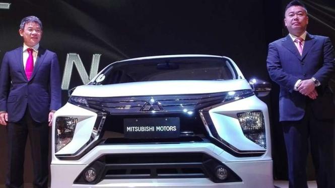 Mobil MPV Mitsubishi