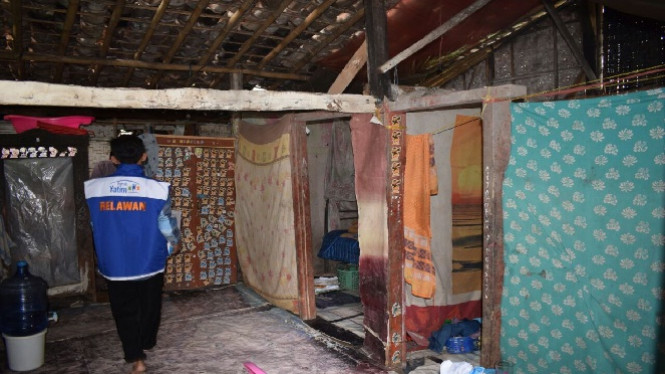 Berbagi di Desa Banjaranyar.