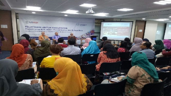 Pelatihan bagi para guru dari USAID.