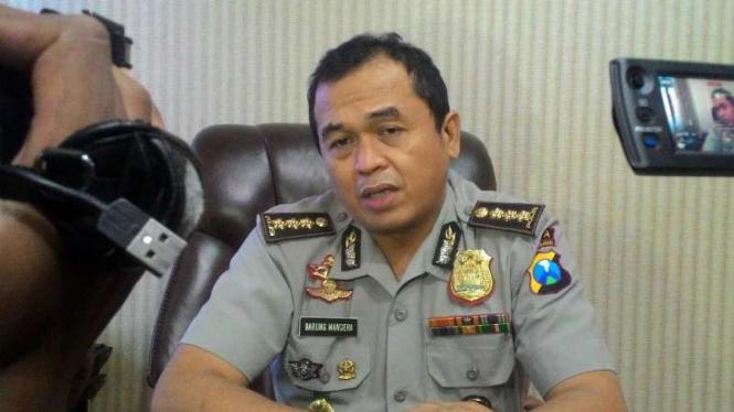 Kepala Bidang Hubungan Masyarakat Polda Jatim, Komisaris Besar Polisi Frans Barung Mangera, di Surabaya pada Senin, 31 Juli 2017.