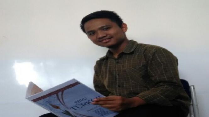 Faruq, anak yatim yang berhasil kuliah di luar negeri.