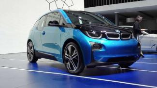 BMW i3 hadir di pameran otomotif GIIAS 2017.