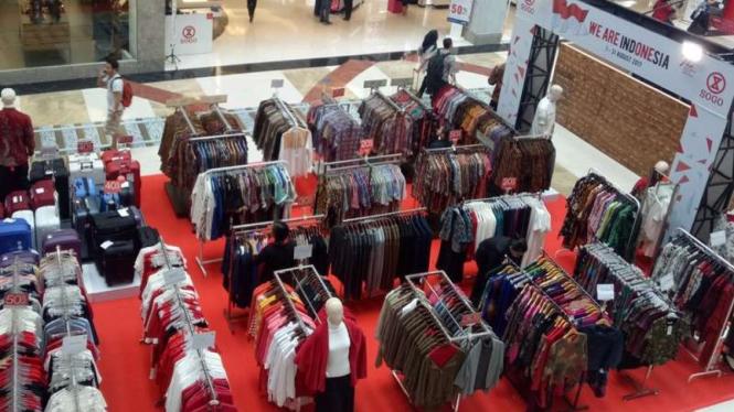 Stan pakaian di Pondok Indah Mall 2