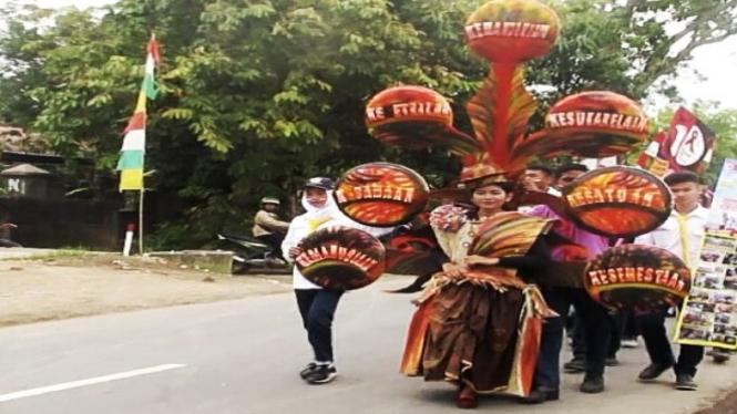Karnaval HUT RI ke-72, Kecamatan Sidareja, Kabupaten Cilacap.
