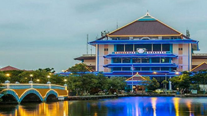 Universitas Airlangga.