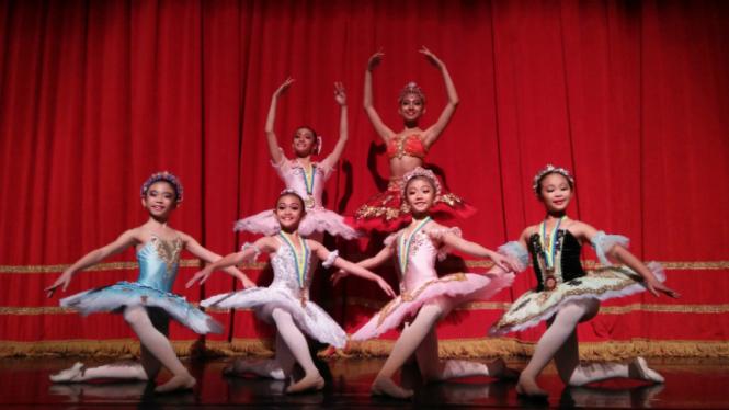Peserta Indonesia di Asian Grand Prix 2017 International Ballet Competition.