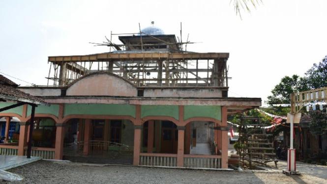 Masjid Tua di Balapulang, Tegal.