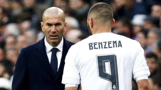 Zinedine Zidane (kiri) dan Karim Benzema (kanan)