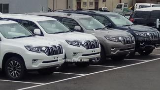 Toyota Land Cruiser Prado baru.