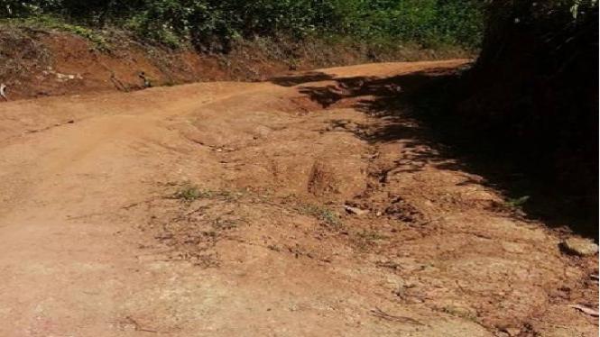 Kondisi infrastruktur di Desa Batu Hideung, Pandeglang.