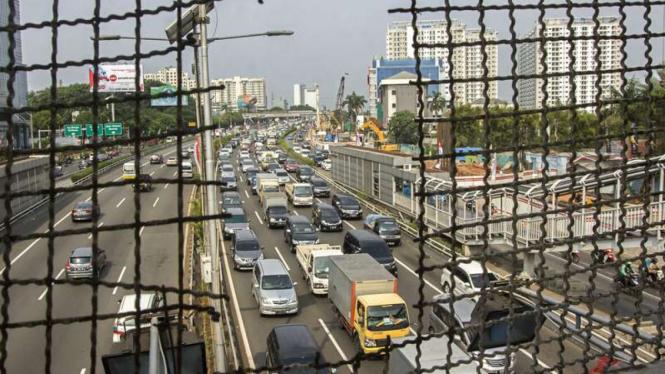 Kondisi jalan tol di lingkar dalam Jakarta