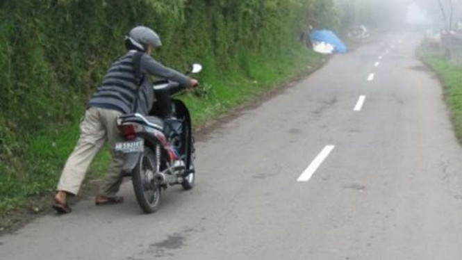 Bocor ban motor.