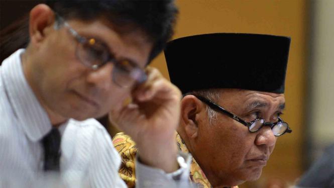 Ketua KPK, Agus Raharjo, (kanan) didampingi Wakil Ketua Laode M Syarif.