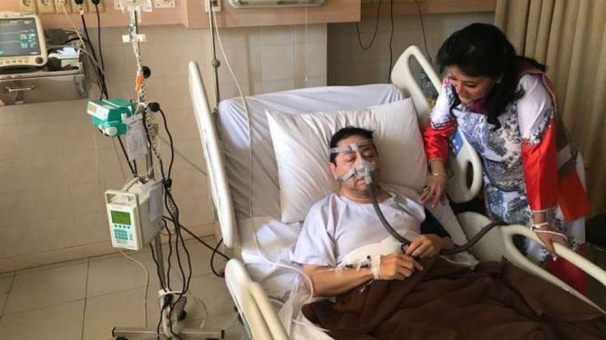 Setya Novanto saat terbaring lemah di rumah sakit.