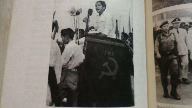 Ketua Comite Central PKI, Dipa Nusantara Aidit, dalam kampanye Pemilu 1955.