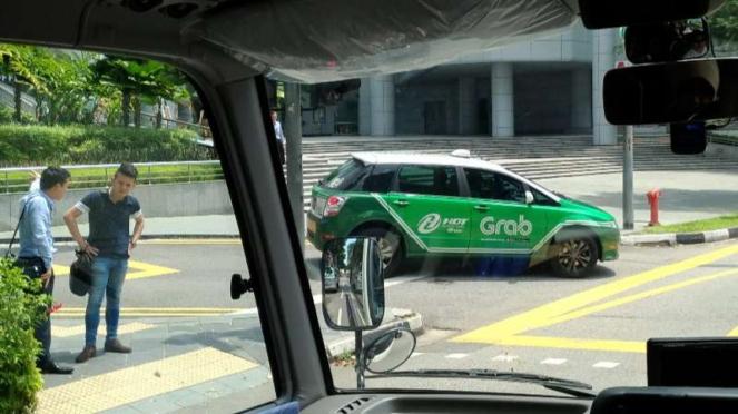 Taksi Grab di Singapura.