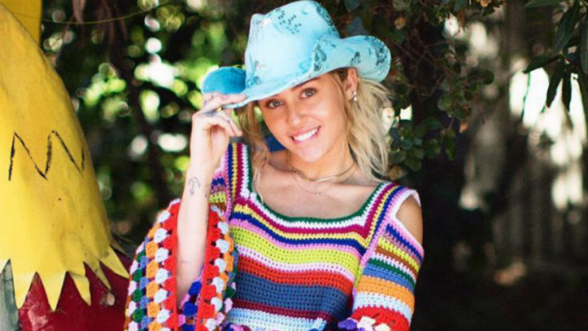 Miley Cyrus Hamil Anak Pertama?