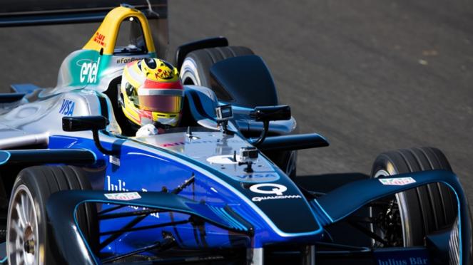 Pembalap asal Indonesia, Rio Haryanto di ajang Formula E
