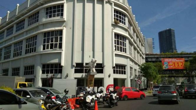 Suasana gedung tua yang kini dijadikan Mal Pelayanan Publik di Surabaya.