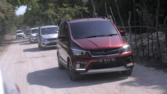 Test drive Wuling Confero S di Bali.