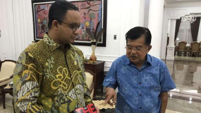Gubernur DKI Jakarta Anies Baswedan dengan Wakil Presiden Jusuf Kalla