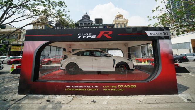 Acara serah terima Honda Civic Type R ke konsumen.