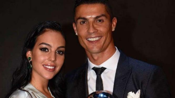 Cristiano Ronaldo dan kekasihnya, Georgina Rodriguez