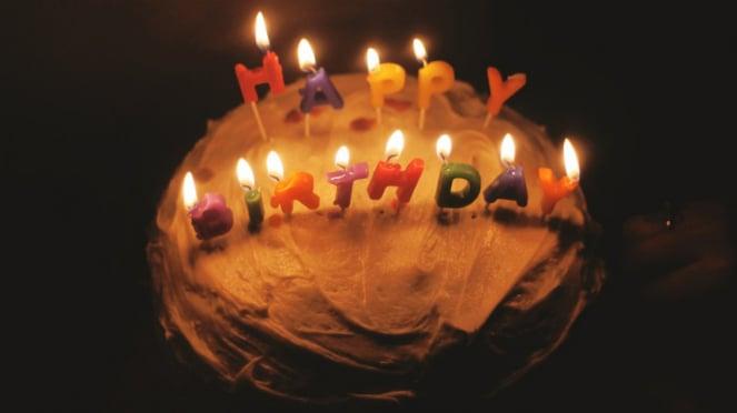 Ilustrasi kue ulang tahun.
