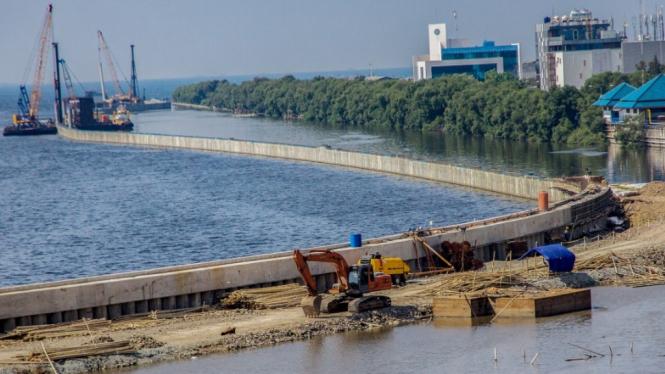 Pembangunan Tanggul Laut di Pantai Jakarta