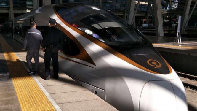 Kereta kecepatan tinggi milik China generasi kedua.